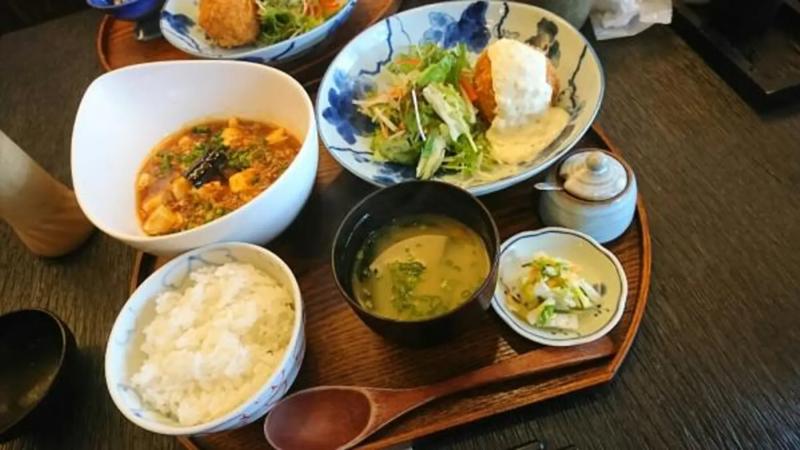 【12位】 糸島市にある美咲が丘駅付近の丼もののお店